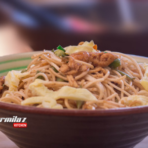 Chicken Hakka Noodles | Indo - Chinese Recipe